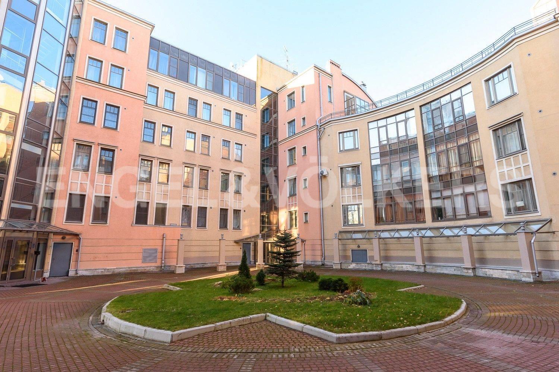 Элитные квартиры на . Санкт-Петербург, Морской пр., 11. Внутренний двор