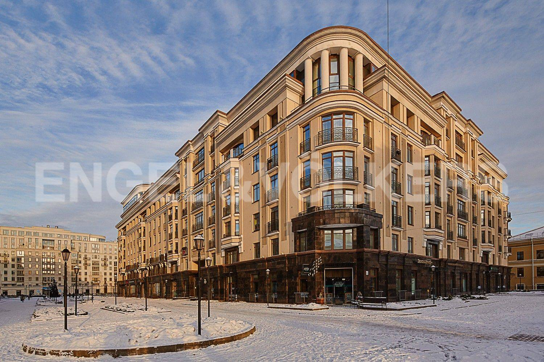 Элитные квартиры в Центральном районе. Санкт-Петербург, ул. Парадная, 3. Фасад дома