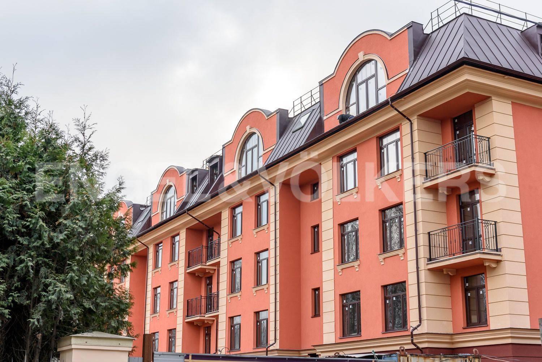 Элитные квартиры в . Санкт-Петербург, Дибуновская улица, 34. Вид на дом со стороны улицы Савушкина
