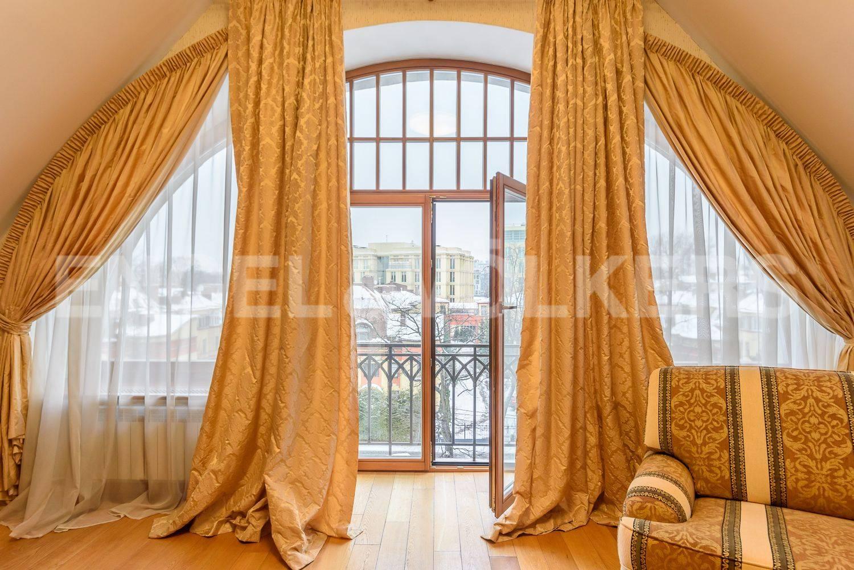 Элитные квартиры на . Санкт-Петербург, Динамо,24 . Балконы с видом на панораму Крестовского