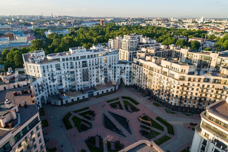 Элитные квартиры в Центральном районе. Санкт-Петербург, Парадная, 3, к. 2. Территория комплекса