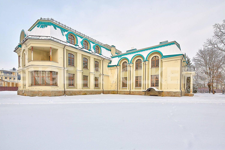 Дома памятники элитные санкт петербурга памятники во владимире фото Майкоп