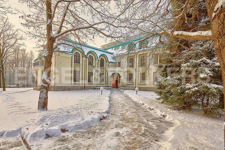 Элитные квартиры на . Санкт-Петербург, 1-я Березовая, 24. Парадный вход