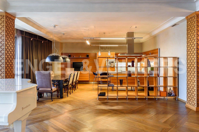 Элитные квартиры на . Санкт-Петербург, Южная дорога, д.5 . Зона кухни-столовой