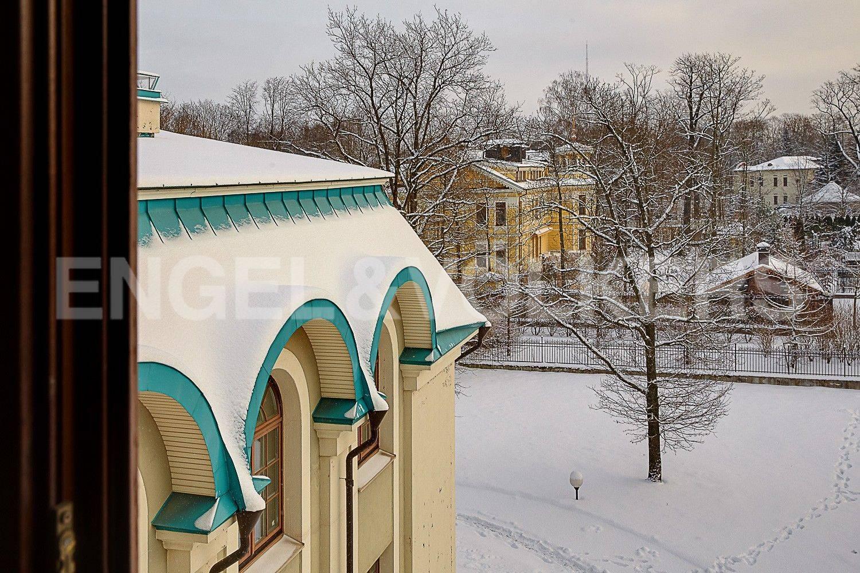 Элитные квартиры на . Санкт-Петербург, 1-я Березовая, 24. Вид из окон