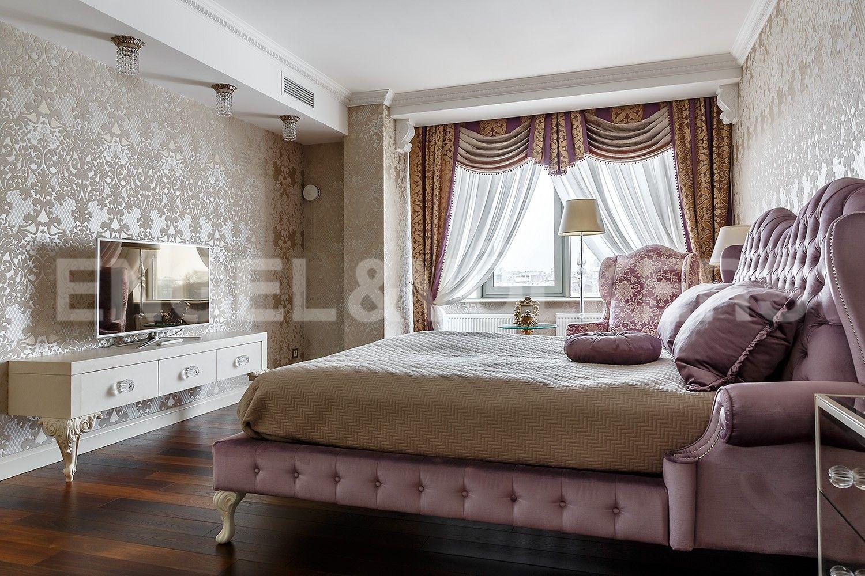 Элитные квартиры в Центральном районе. Санкт-Петербург, Парадная, 3, к. 2. Мастер-спальня