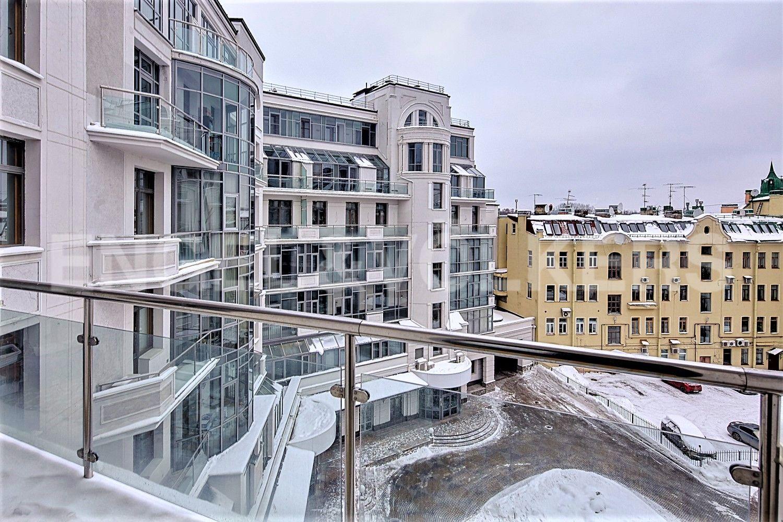 Элитные квартиры на . Санкт-Петербург, Динамовская, 2. Вид с балкона