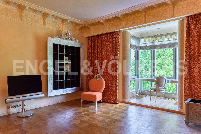 Элитные квартиры на . Санкт-Петербург, Южная дорога, д.5 . Эркер в спальне