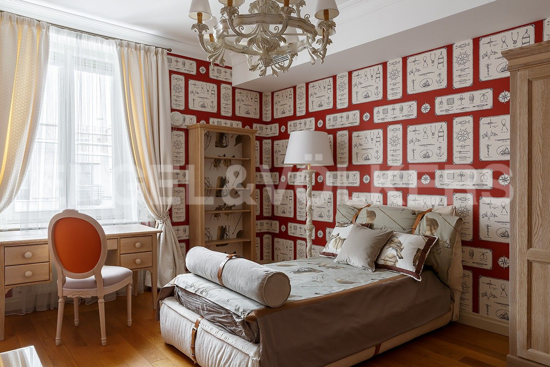 Элитные квартиры в Центральном районе. Санкт-Петербург, Парадная, 3. Детская
