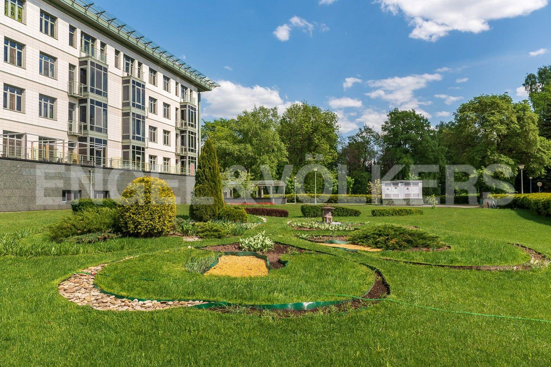 Элитные квартиры на . Санкт-Петербург, Южная дорога, д.5 . Внутренняя территория