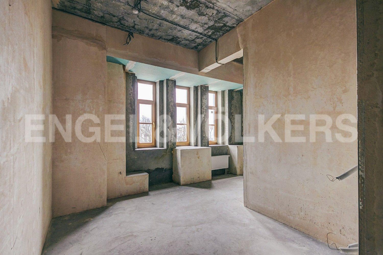 Элитные квартиры в Центральном районе. Санкт-Петербург, Конногвардейский б-р, д. 5. Зона спальни с гардеробной