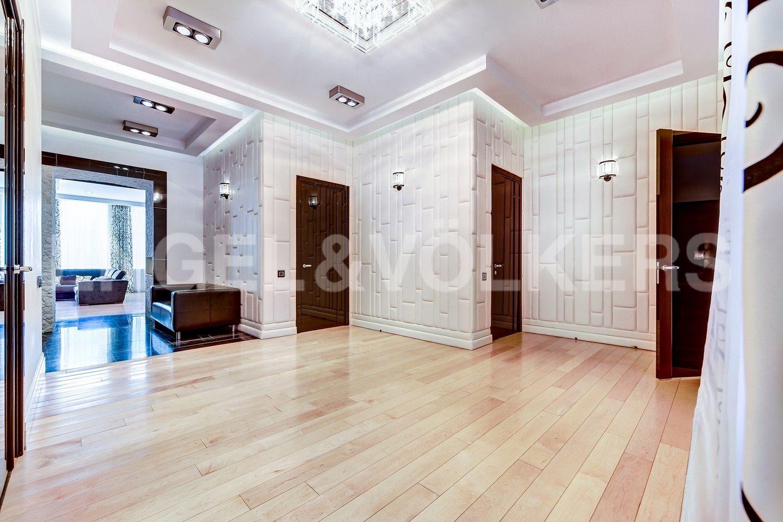 2032bed7ce605 Элитные квартиры в Центральном районе. Санкт-Петербург, Манежный пер., 16.