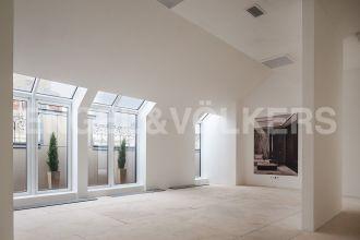 Наб. Кутузова, 24  — уютная солнечная квартира в клубном доме на набережной Невы