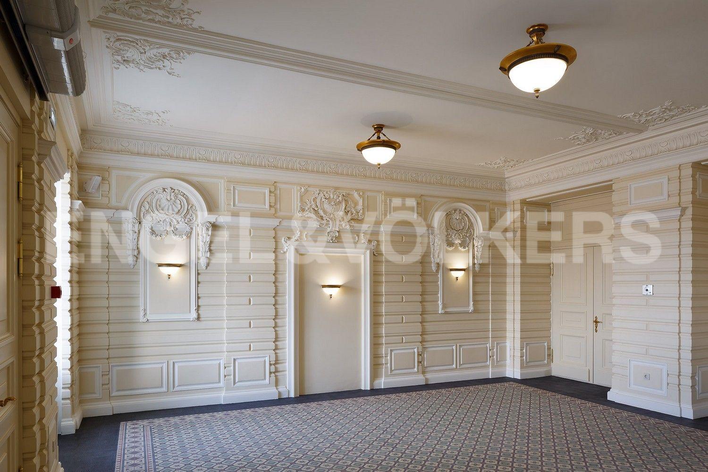 Элитные квартиры в Центральном районе. Санкт-Петербург, Кутузова, 24. Холл-лобби