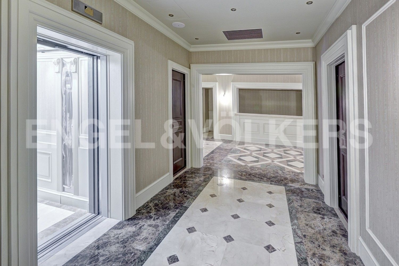 Элитные квартиры в Центральном районе. Санкт-Петербург, Конногвардейский б-р, д. 5. Лифтовой холл