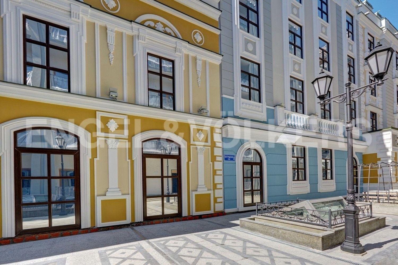 Элитные квартиры в Центральном районе. Санкт-Петербург, Конногвардейский б-р, д. 5. Благоустроенная территория внутреннего дворика