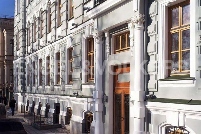 Конногвардейский б-р, 5 - готовые к проживанию апартаменты с видом на купол исторического собора