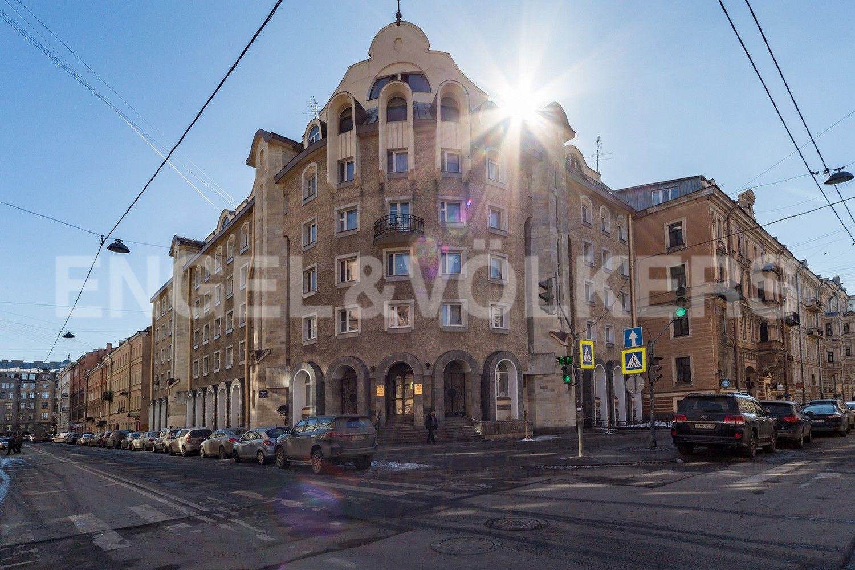 Элитные квартиры в Центральном районе. Санкт-Петербург, Конная, 13. Фасад дома
