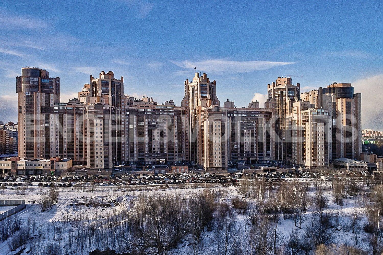 Элитные квартиры в Других районах области. Санкт-Петербург, Приморский пр., 137. Фасад