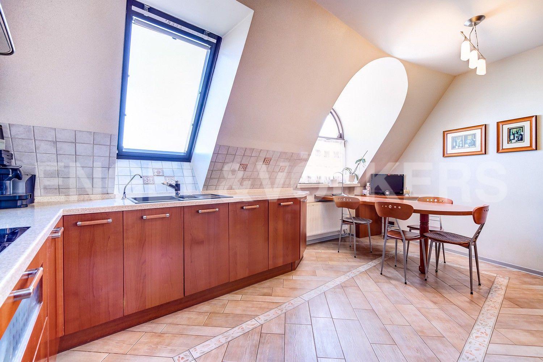 Элитные квартиры в Центральном районе. Санкт-Петербург, Конная, 13. Кухня-столовая