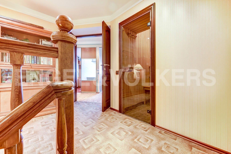 Элитные квартиры в Центральном районе. Санкт-Петербург, Конная, 13. Сауна на втором уровне квартиры