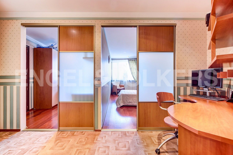 Элитные квартиры в Центральном районе. Санкт-Петербург, Конная, 13. Рабочая зона при спальнях