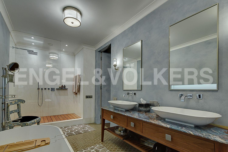 Элитные квартиры в Центральном районе. Санкт-Петербург, Кирочная, 64. Душевая в ванной комнате