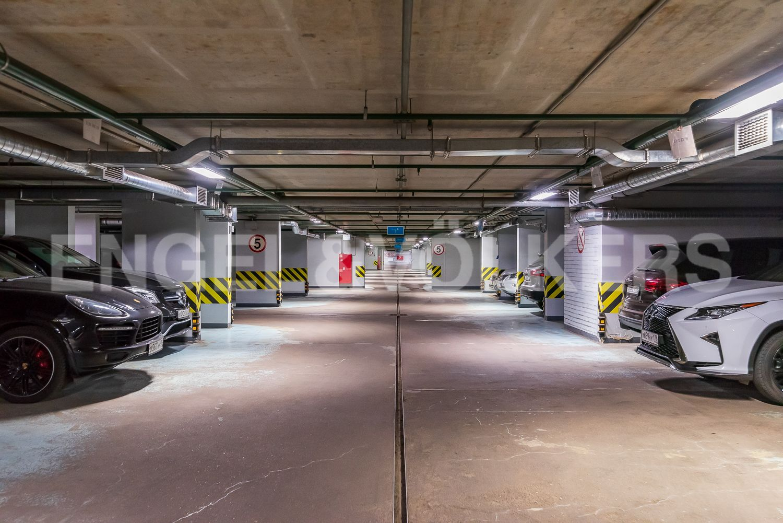 Элитные квартиры в Центральном районе. Санкт-Петербург, Кирочная, 64. Подземный паркинг