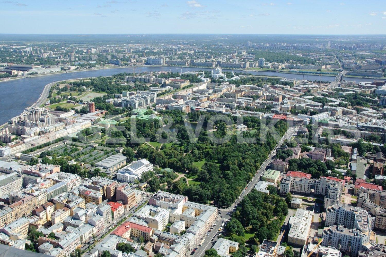 Элитные квартиры в Центральном районе. Санкт-Петербург, Кирочная, 64. Таврический сад в ближайшем окружении
