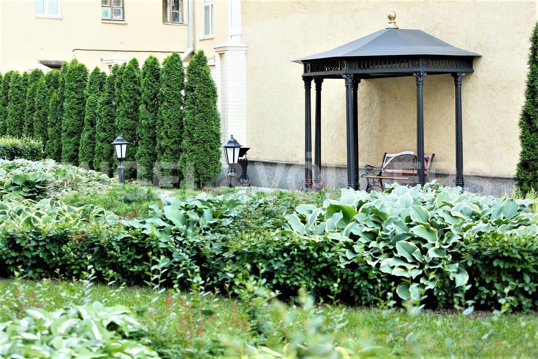 Элитные квартиры в Центральном районе. Санкт-Петербург, наб. реки Фонтанки, 76, корп. 2. Беседка