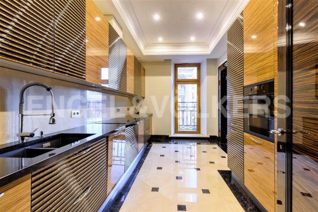 «Фонтанка, 76» — просторная квартира с отделкой и функциональной планировкой