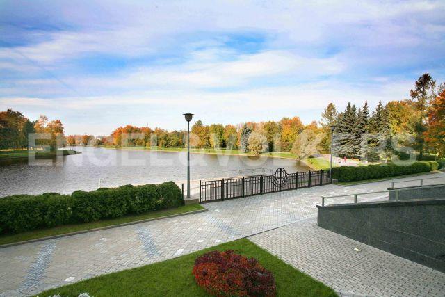 «Пятый Элемент» - элегантные апартаменты в Приморском парке с видом на Южный пруд