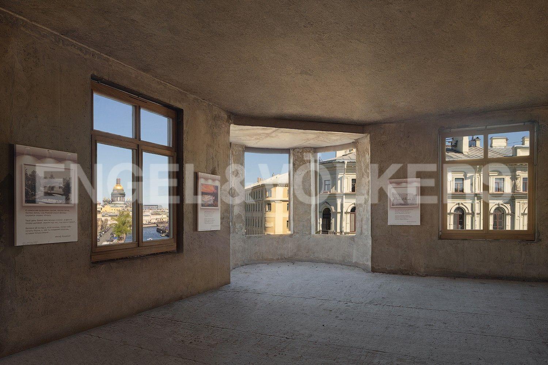 Элитные квартиры в Центральном районе. Санкт-Петербург, Наб. реки Мойки, 102. Гостиная с панорамным видом