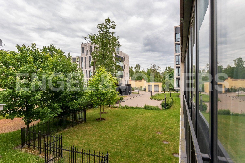 Элитные квартиры на . Санкт-Петербург, Наб. Мартынова, 62. Вид из гостиной