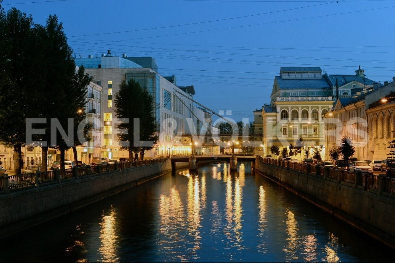 Элитные квартиры в Центральном районе. Санкт-Петербург, Наб. реки Мойки, 102. Крюков канал - вид на Мариинский теарт (старая и новая сцены)