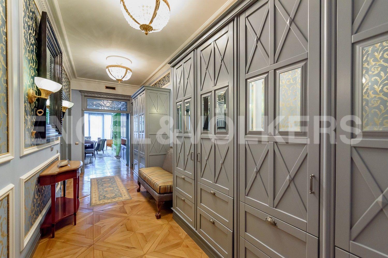 Элитные квартиры на . Санкт-Петербург, Наб. Мартынова, 62. Холл