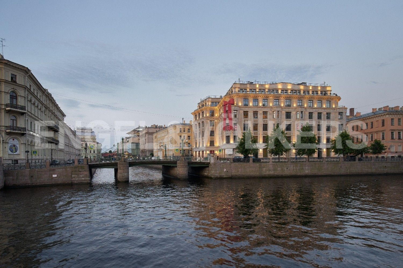 Элитные квартиры в Центральном районе. Санкт-Петербург, Наб. реки Мойки, 102. Фасады в стиле неоклассики
