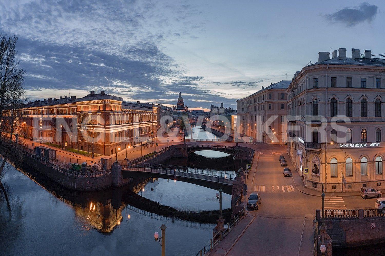 Элитные квартиры в Центральном районе. Санкт-Петербург, Наб. реки Мойки, 102. Панорама исторического центра