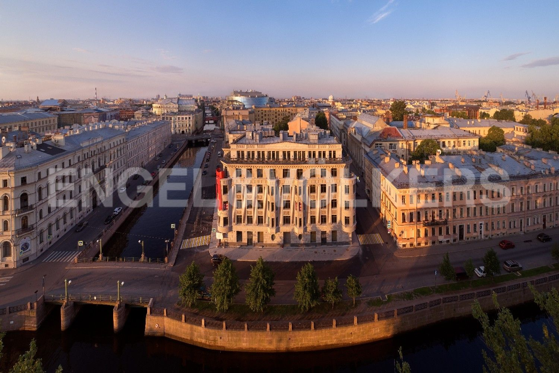 Элитные квартиры в Центральном районе. Санкт-Петербург, Наб. реки Мойки, 102. Вид на дом с высоты птичьего полета