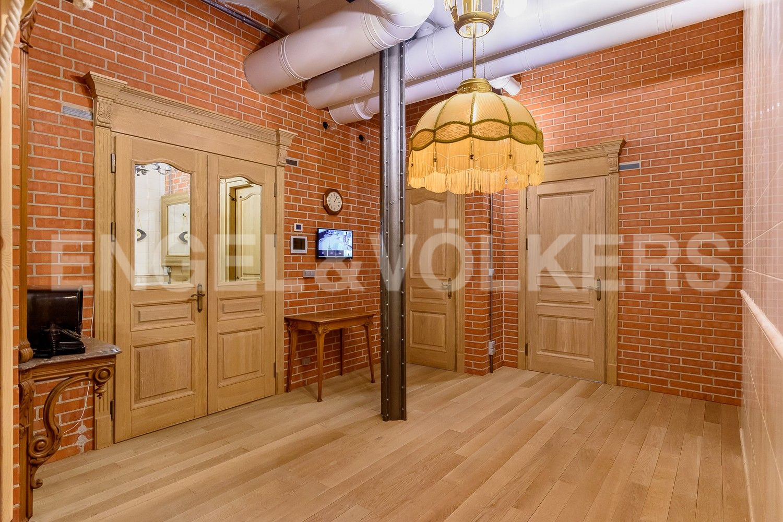 Элитные квартиры в Центральном районе. Санкт-Петербург, Виленский, 15. Холл-прихожая с изолированной гардеробной