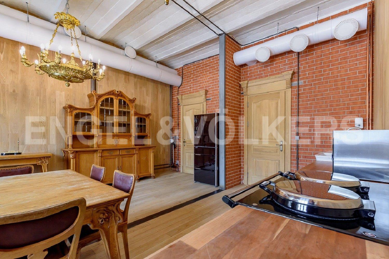 Элитные квартиры в Центральном районе. Санкт-Петербург, Виленский, 15. Кухонная зона в гостиной
