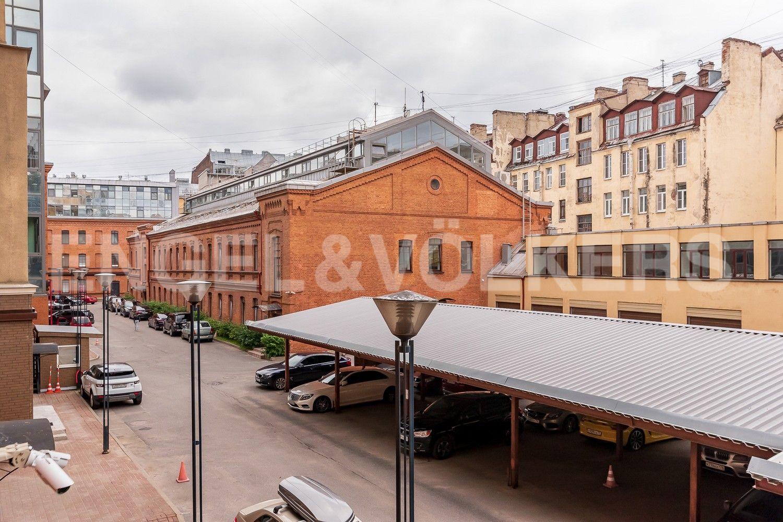 Элитные квартиры в Центральном районе. Санкт-Петербург, Виленский, 15. Вид из окон на придомовую территорию