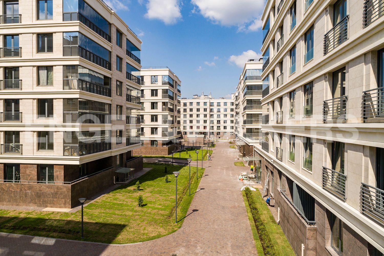 Элитные квартиры на . Санкт-Петербург, Спортивная улица, 2. Внутренняя территория