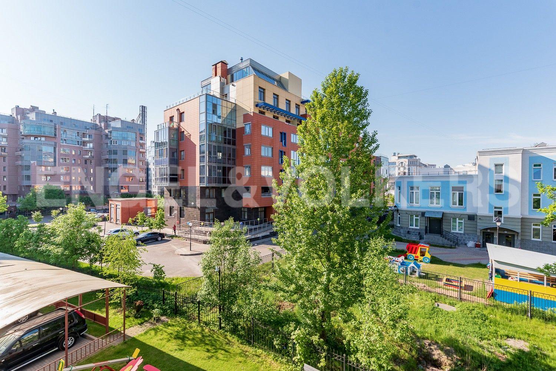 Элитные квартиры на . Санкт-Петербург, Крестовский, 13. Окружение комплекса