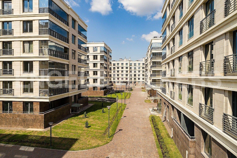 Элитные квартиры на . Санкт-Петербург, Спортивная улица, 2. Внутренний двор