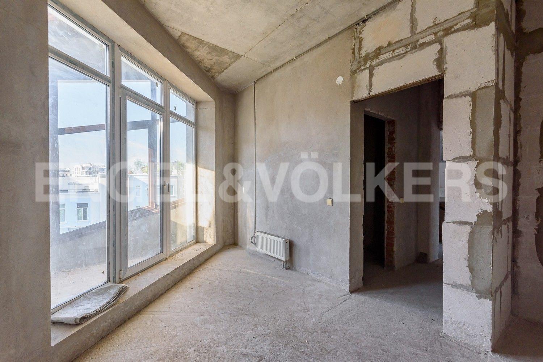 Элитные квартиры на . Санкт-Петербург, Крестовский, 13. Балкон
