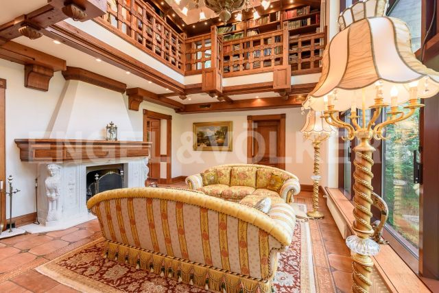 п. Тарховка - семейная резиденция в стиле средневековой французской усадьбы