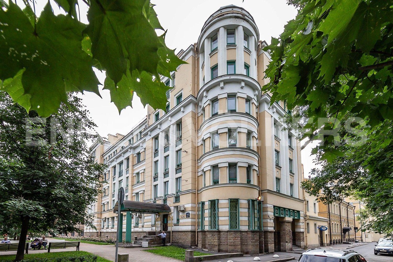Элитные квартиры в Центральном районе. Жилая площадь, Суворовский, 32. Фасад дома
