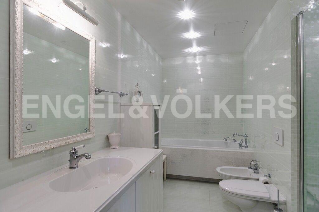 Элитные квартиры в Центральном районе. Санкт-Петербург, Тверская, 1А. Собственная ванная комната при спальне