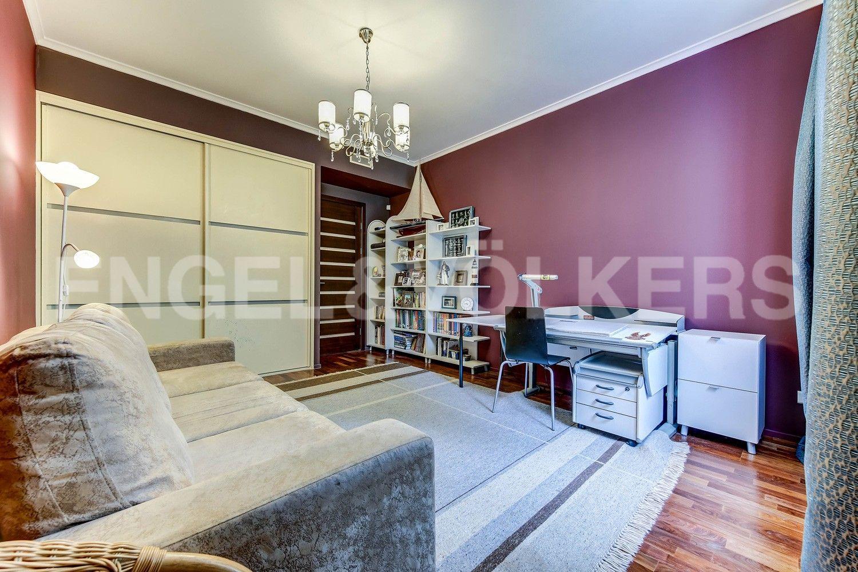 Элитные квартиры в Центральном районе. Жилая площадь, Суворовский, 32. Детская спальня